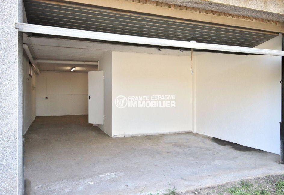 achat maison sur la costa brava, ref.3801, garage avec accès direct dans la maison