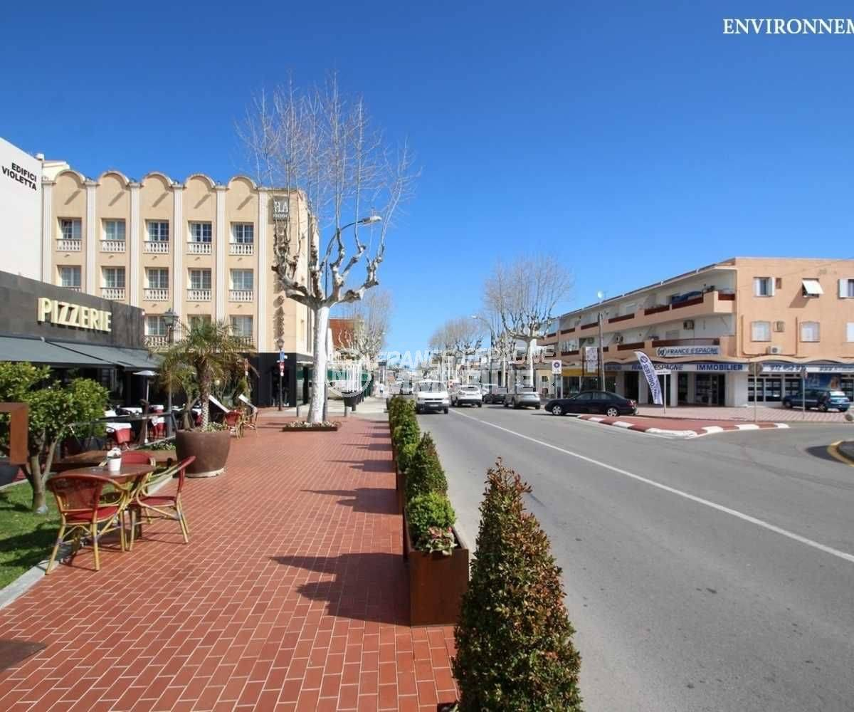 vente immobiliere costa brava: appartement ref.3789, commerces et restaurants au centre ville