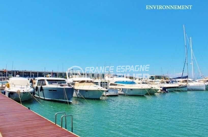 palau immobilier: villa ref.3801, marina de roses aux alentours