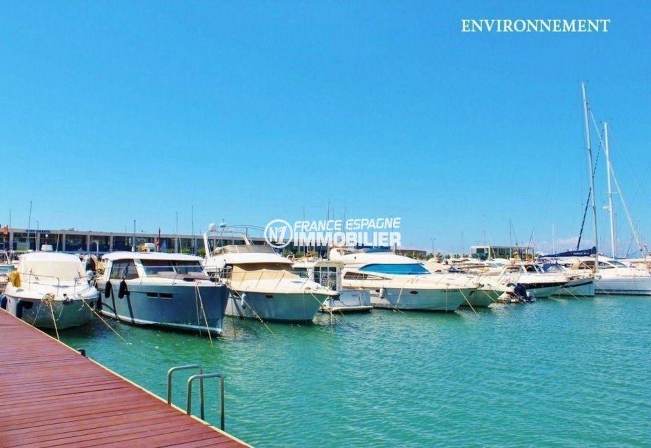 immobilier costa brava: aperçu de la marina à proximité