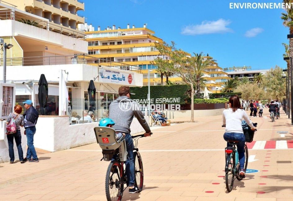 vente appartement rosas espagne, ref.3805, promenade le long de la plage