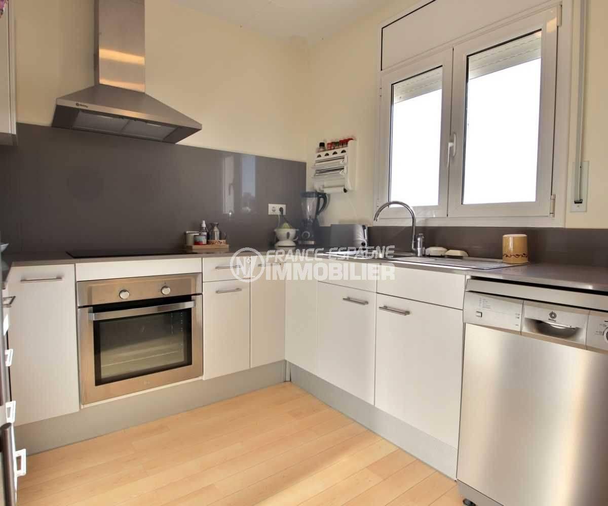 habitaclia rosas: ref.3796, cuisine américaine avec des rangements étage indépendant