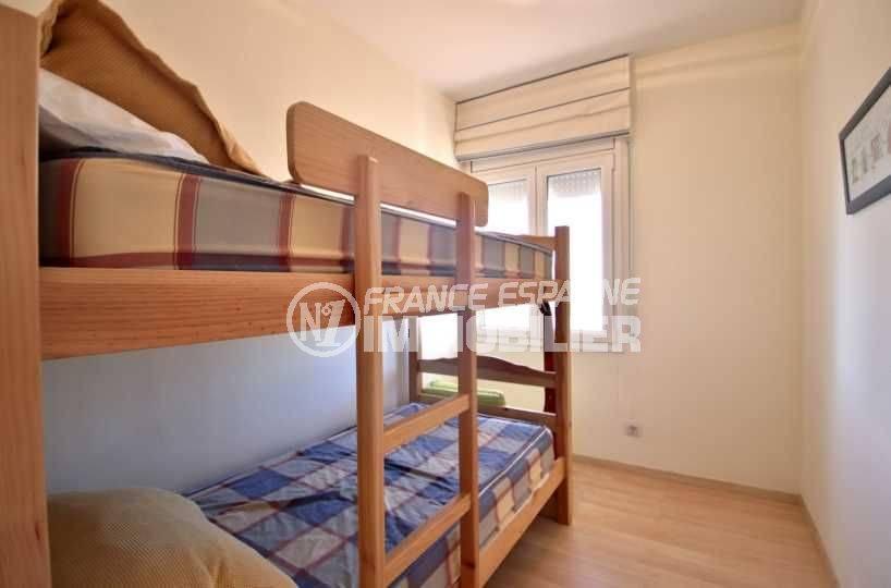 acheter maison espagne costa brava, ref.3796, chambre 3 avec lits superposés