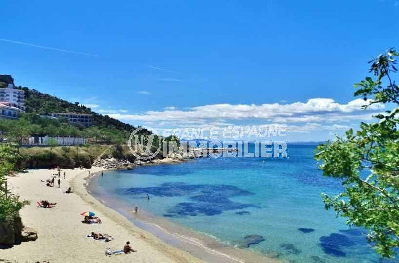 vente villa rosas, plage de canyelles aux alentours