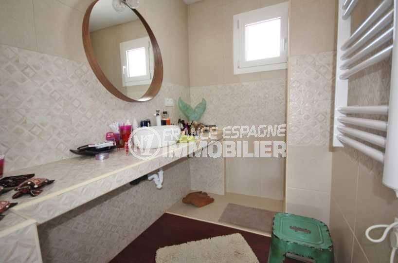 achat immobilier costa brava: villa ref.3463, seconde salle d'eau au rez-de chaussée