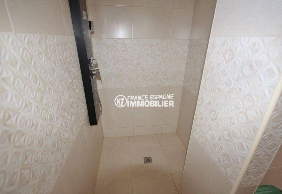 maison costa brava, ref.3463, cabine de douche de la seconde salle d'eau