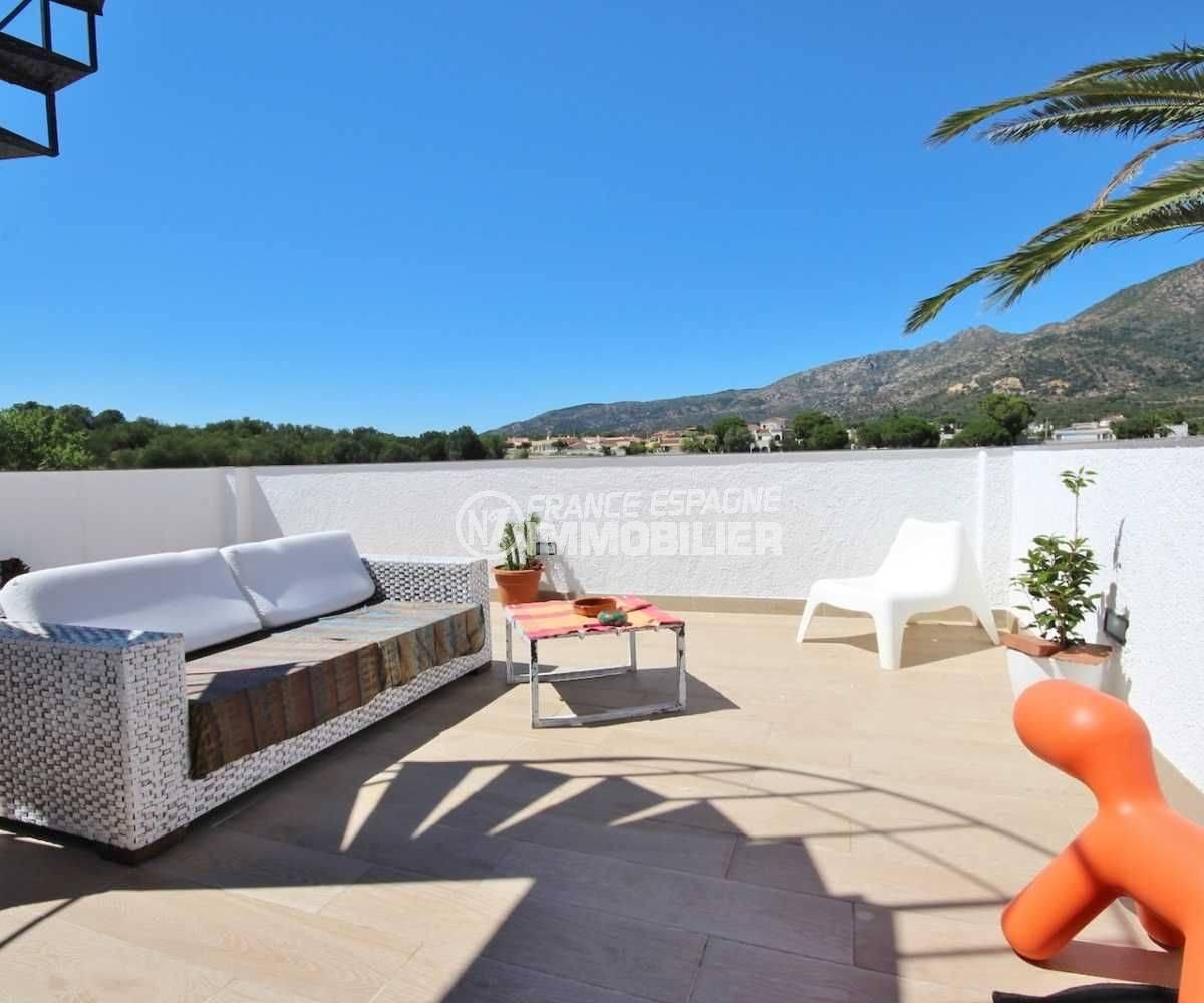 vente villa rosas, ref.3463, petite terrase de la chambre 3 au 1er etage