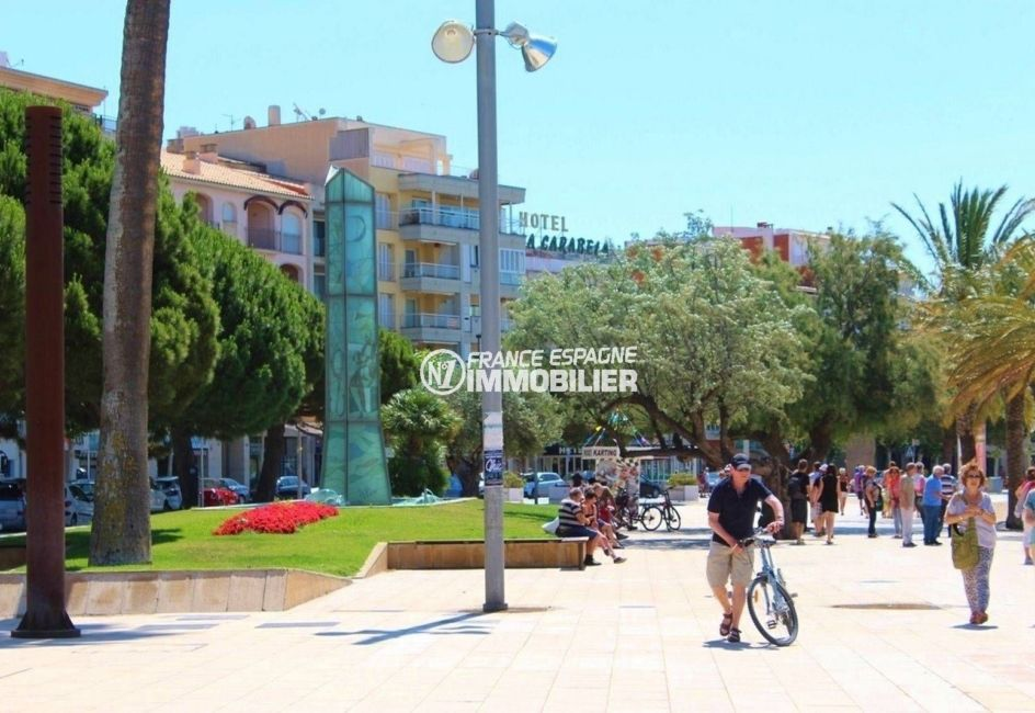habitaclia rosas: villa ref.3463, promenade et commerces le long de la plage à proximité