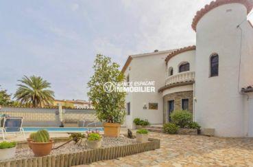 immo empuriabrava: ref.3827, villa avec amarre, piscine et grand garage