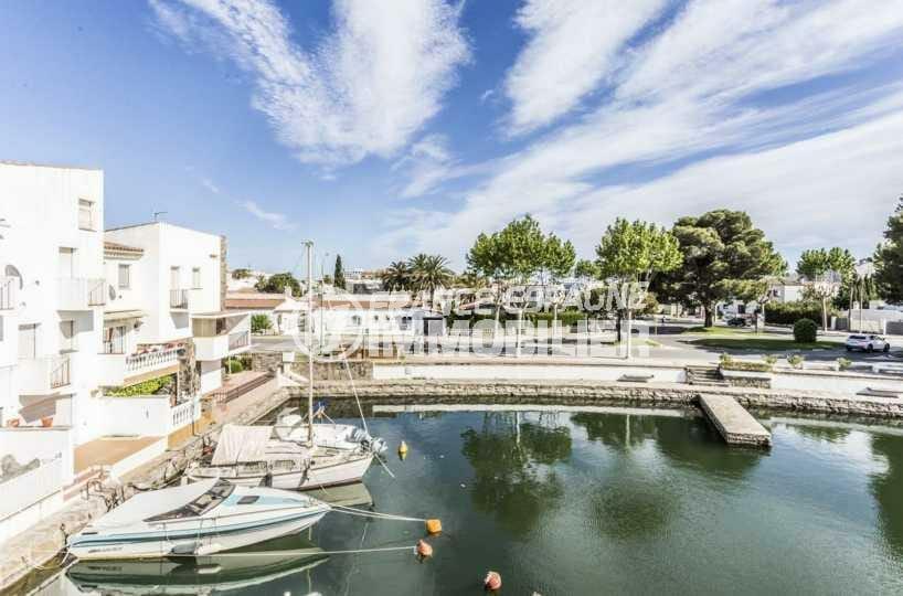 immo empuriabrava: villa ref.3834, vue canal avec amarre, proche plage et commerces