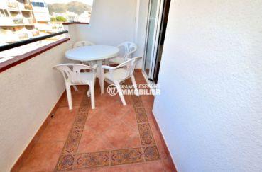 immo roses: appartement ref.3810, parking privé, plages à 300 m et commerces à 50 m