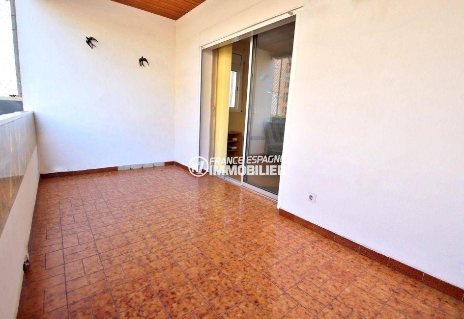 appartement a vendre rosas, ref.3814, aperçu de la terrasse de 9 m²