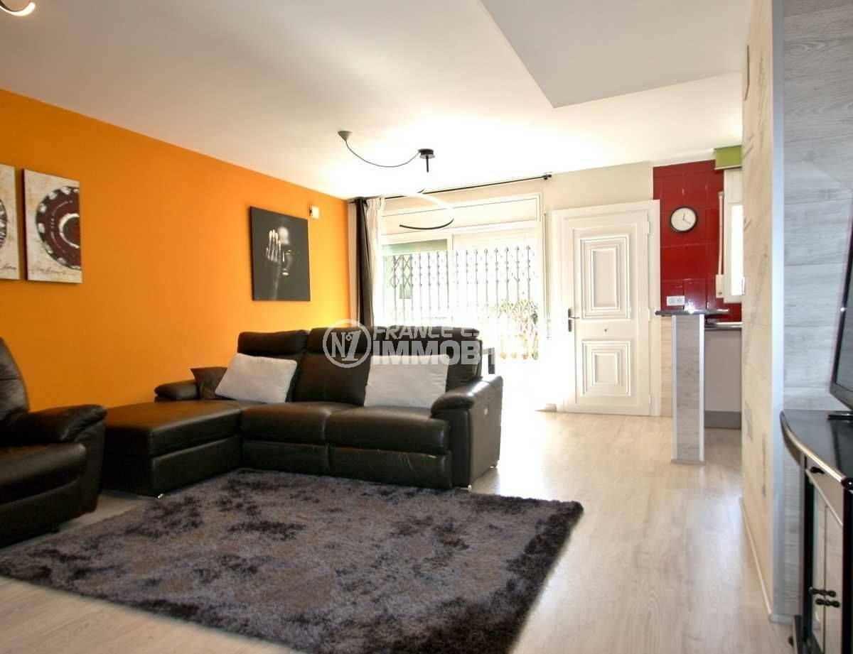 immobilier empuria brava: villa ref.3808, séjour avec entrée, bar de la cuisine