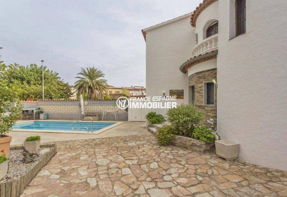 immobilier empuria brava: ref.3827, villa de 205 m² avec piscine de 8 m x 3.5 m