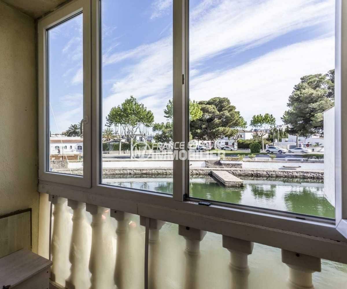 immobilier empuria brava: villa ref.3834, vue sur le canal depuis la terrasse véranda