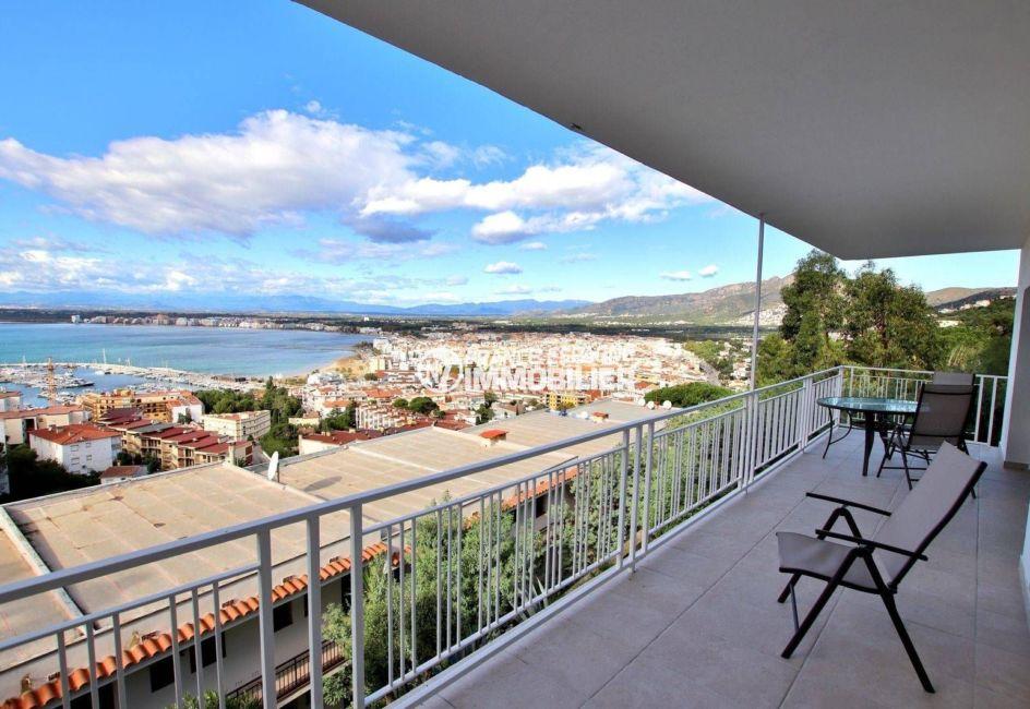 vente appartement rosas, ref.3824, vue mer depuis la terrasse avec accès au salon