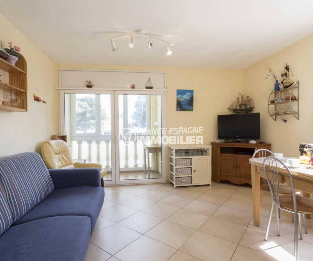 agence immo empuriabrava: villa ref.3834, salon / salle à manger accès terrasse véranda
