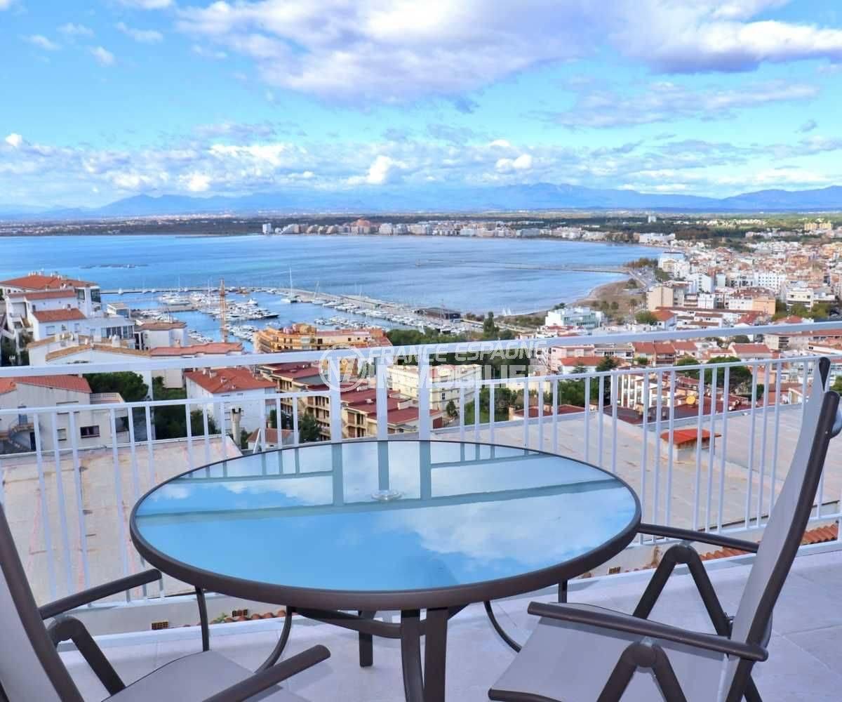 immo roses: appartement ref.3824, magnifique vue de la mer depuis la terrasse