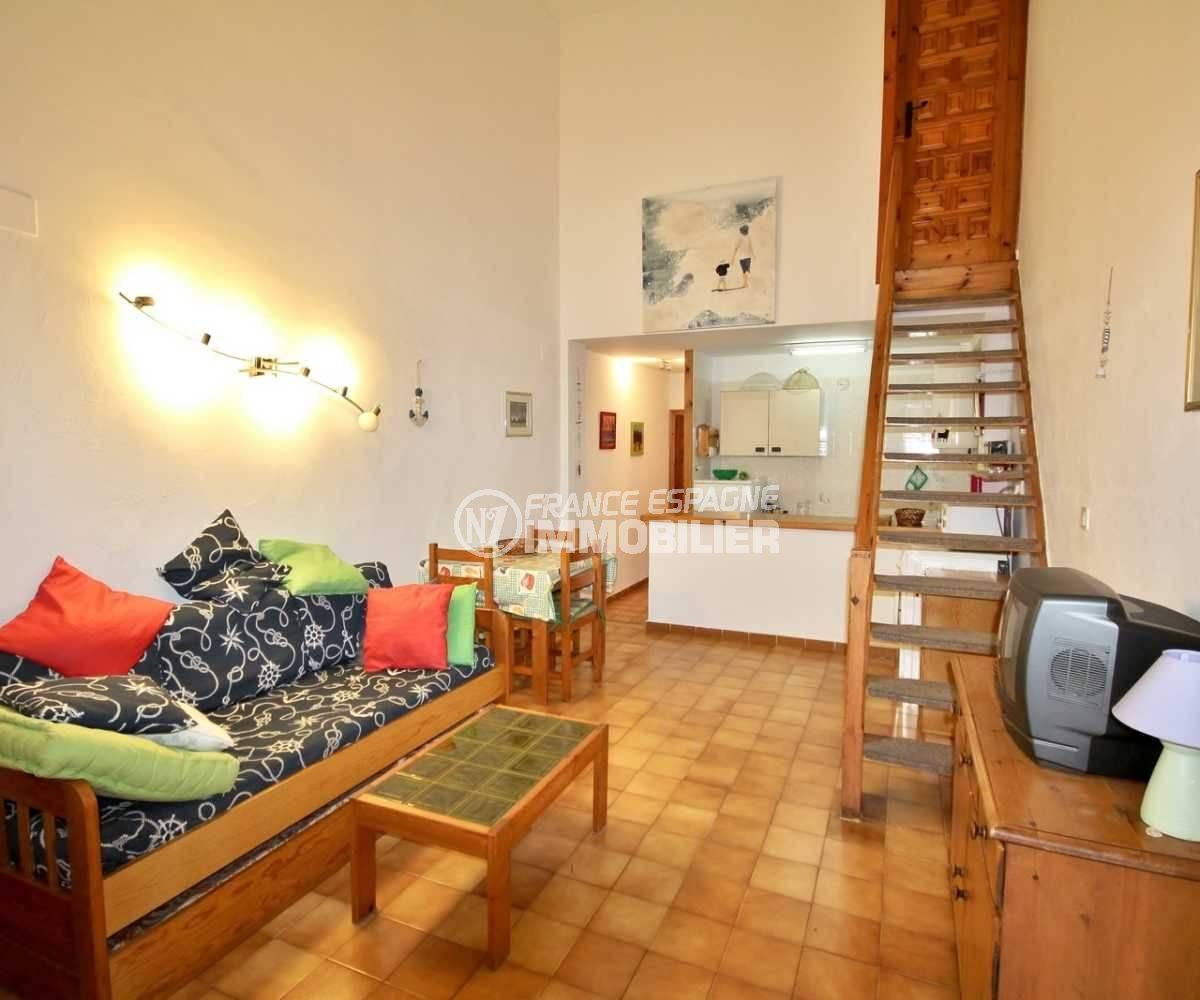 immobilier empuriabrava: villa ref.3822, séjour avec cuisine américaine au fond
