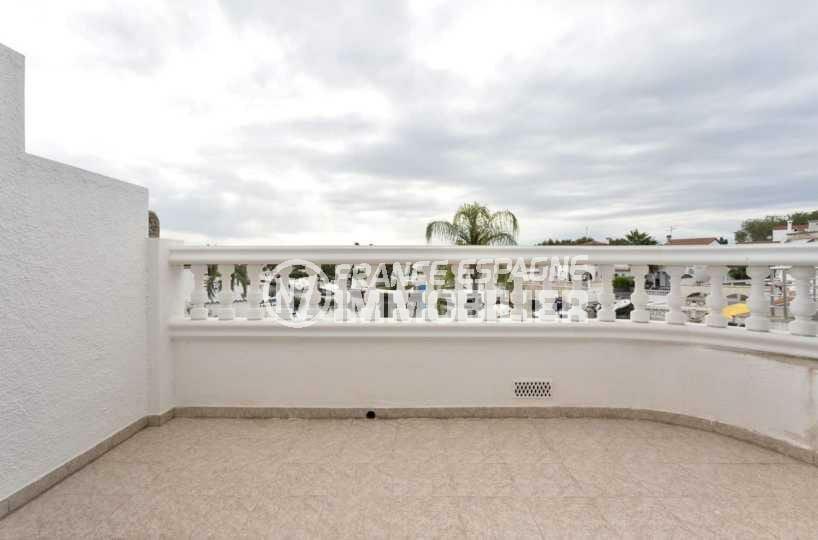 maison a vendre empuria brava, ref.3827, terrasse accès chambre vue sur le canal