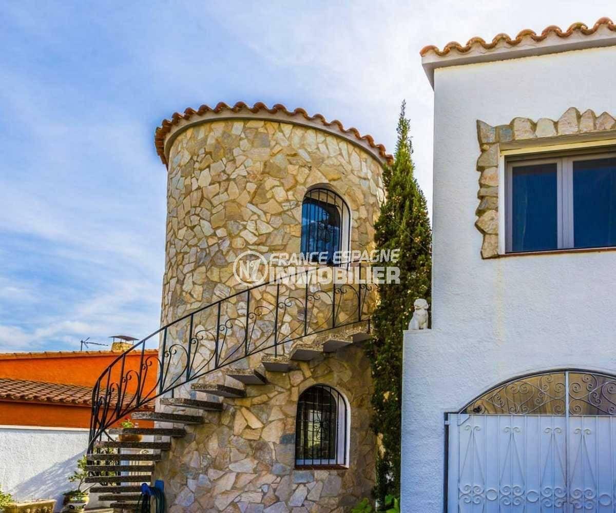 agence immo empuriabrava: villa ref.3832, appartement indépendant dans la tour