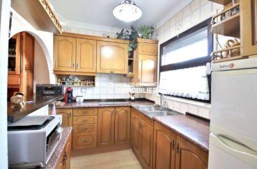 maison a vendre a rosas, ref.3815, vue sur la cuisine américaine équipée