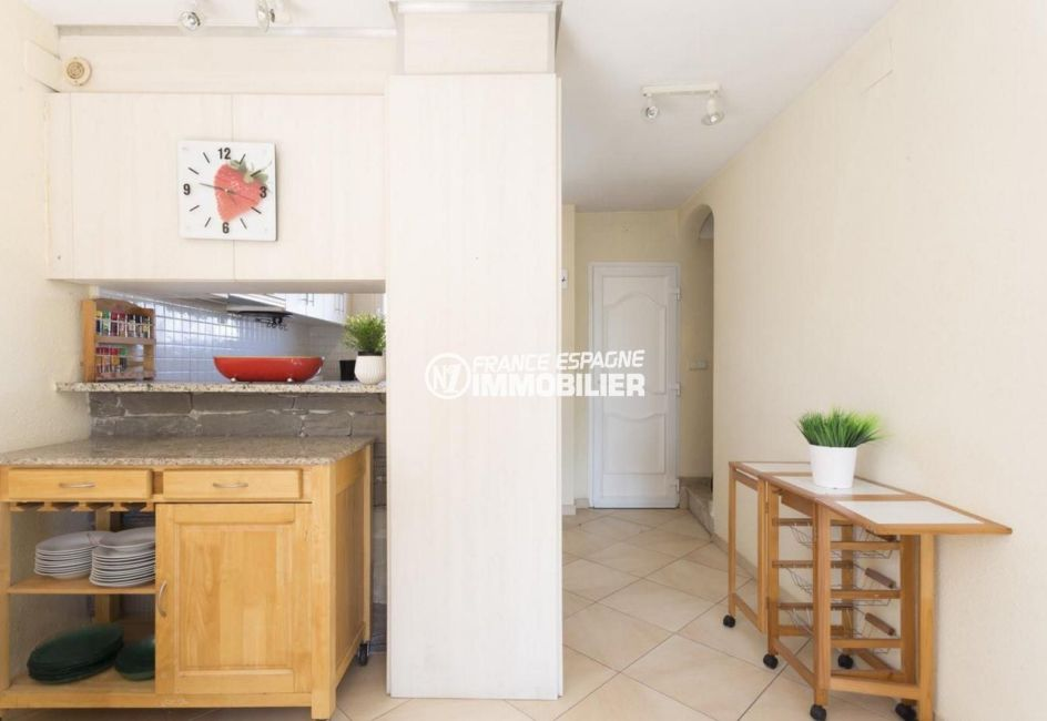 maison a vendre espagne costa brava, ref.3834, cuisine semi ouverte sur le salon
