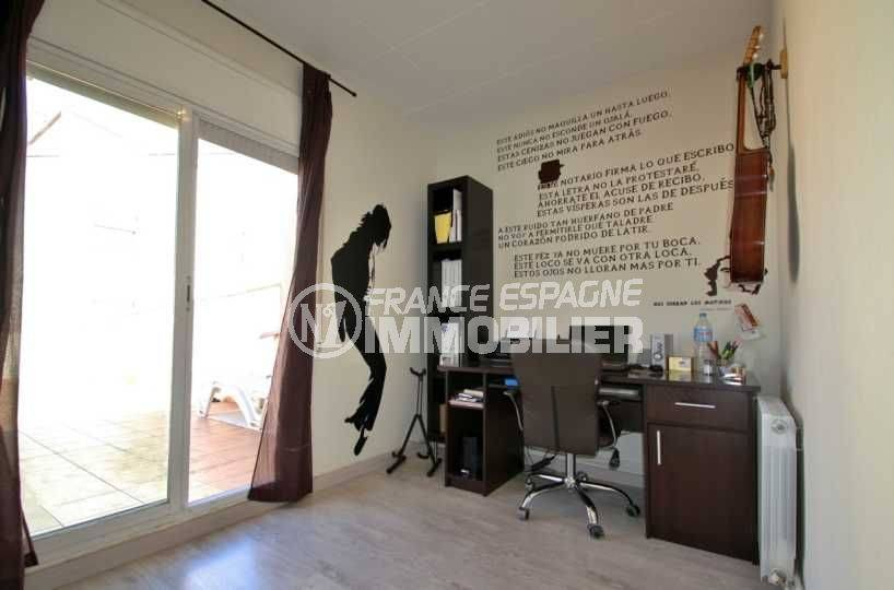 agence empuriabrava: villa ref.3808, chambre 2 avec accès terrasse solarium