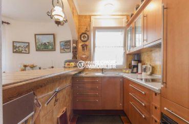 maison à vendre empuriabrava, ref.3833, cuisine ouverte aménagée avec des rangements