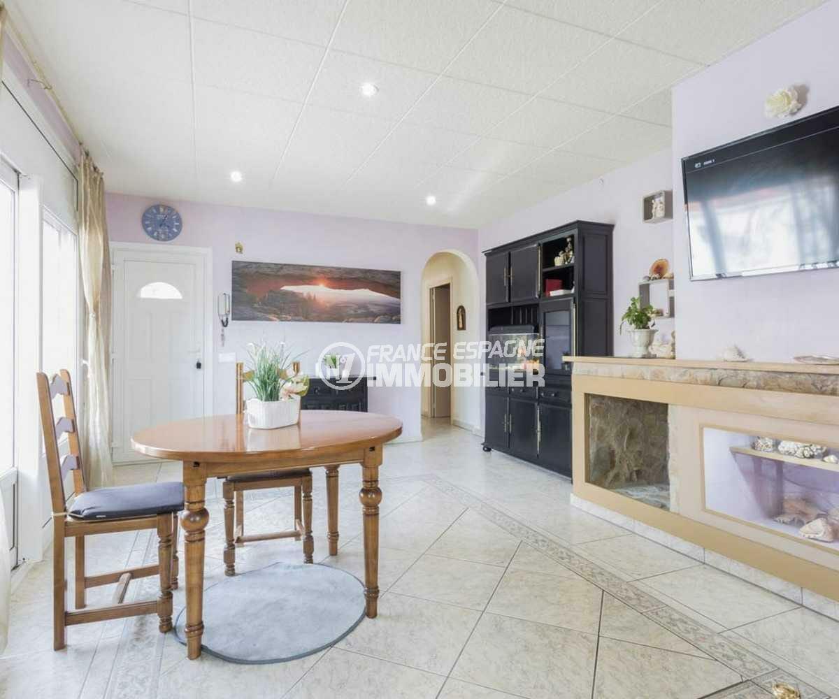 empuriabrava immobilier: villa ref.3832, séjour coté salle à manger