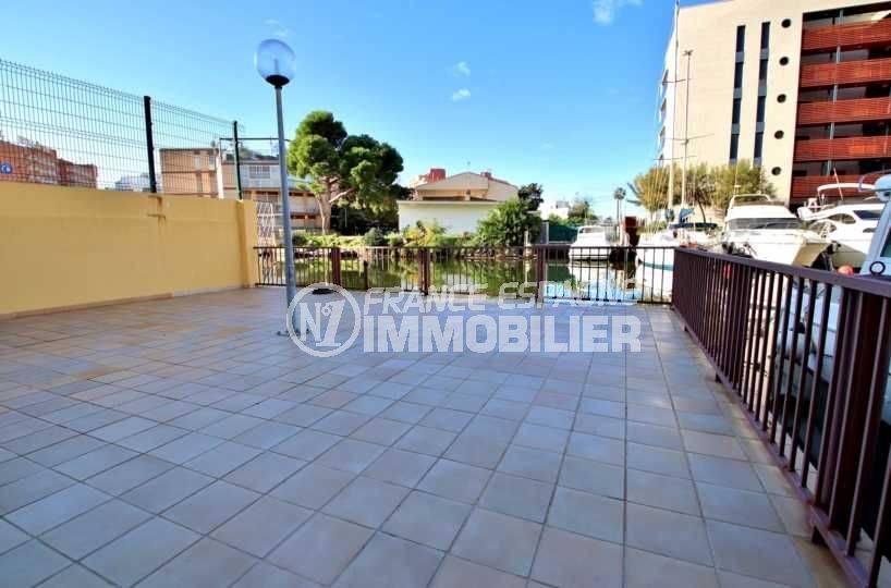 vente appartements rosas espagne, ref.3814, terrasse de la résidence vers le canal