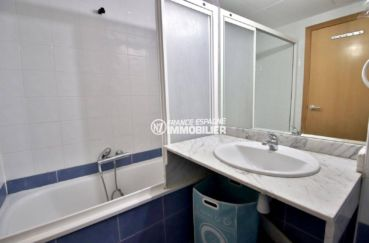 immobilier roses espagne: appartement ref.3813, aperçu de la salle de bains