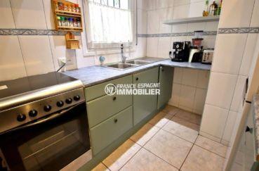 agence immobilière costa brava: appartement ref.3820, cuisine indépendante équipée