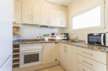 agence immobiliere costa brava: villa ref.3834, cuisine fonctionelle avec une fenêtre