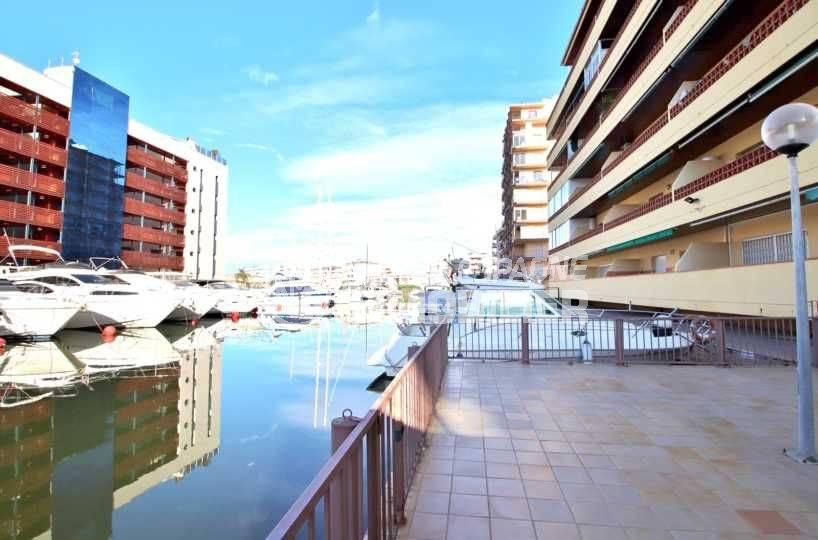 achat appartement rosas espagne, ref.3814, vue sur les amarres du canal à proximité