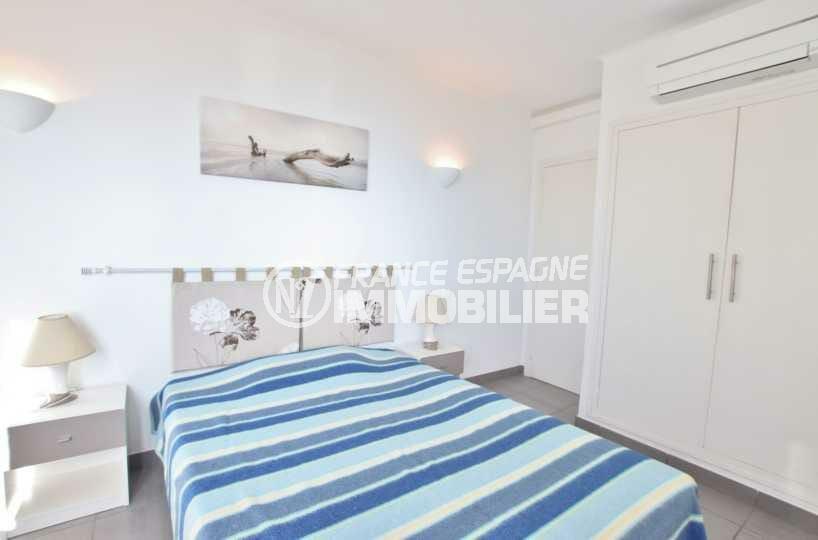 agence immobilière costa brava: ref.3839, première chambre: lit double et placards