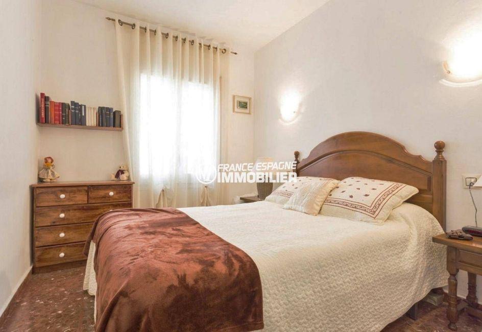 agence immobiliere empuriabrava espagne: villa ref.3828, seconde chambre avec lit double