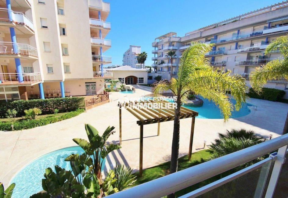 appartement costa brava, ref.3813, vue sur l'espace piscine de la résidence