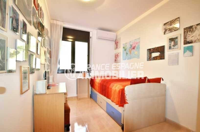 immobilier costa brava bord de mer: appartement ref.3823, troisième chambre: lit simple