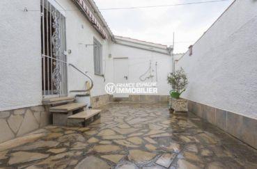 maison a vendre a empuriabrava, ref.3833, aperçu de la cour intérieure
