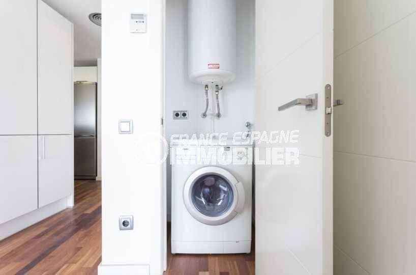 appartements a vendre a rosas, ref.3826, espace clos pour lave linge et ballon eau chaude