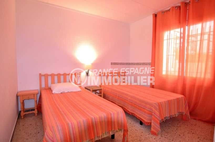 appartement à vendre à rosas espagne, ref.3824, deuxième chambre avec 2 lits simples