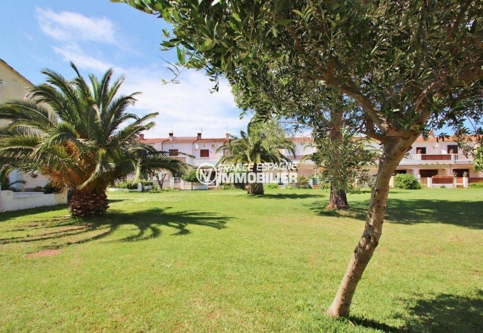 empuriabrava immobilier: villa ref.3822, jardin arboré dans le quartier résidentiel
