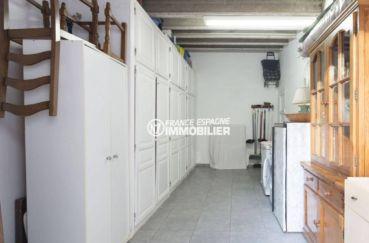 maison costa brava, ref.3828, grand garage avec nombreux rangements