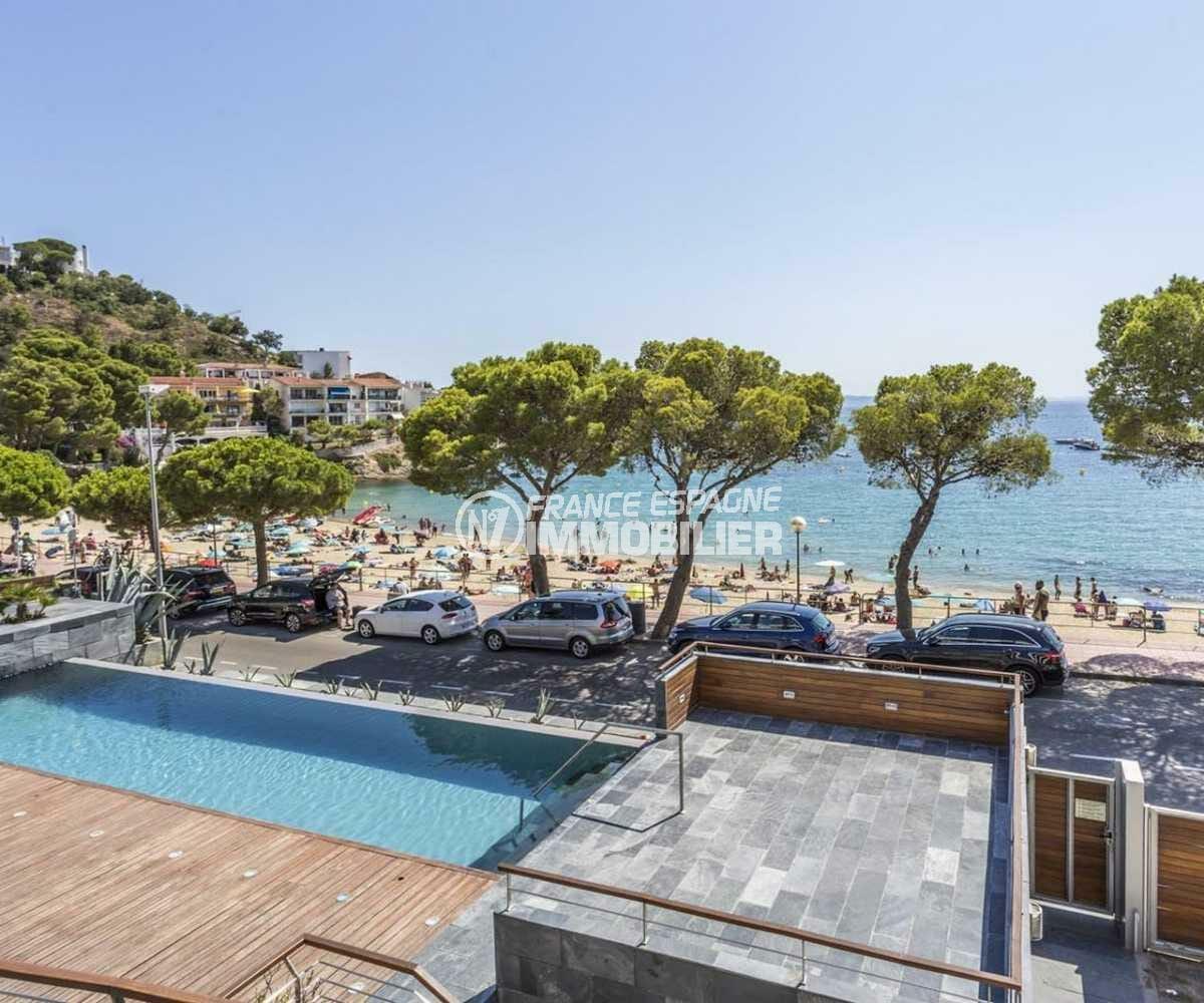 immo roses espagne: appartement ref.3826, vue plage et piscine depuis la terrasse