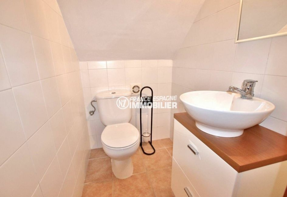 maison a vendre espagne bord de mer, ref.3818, wc indépendant avec vasque et rangements