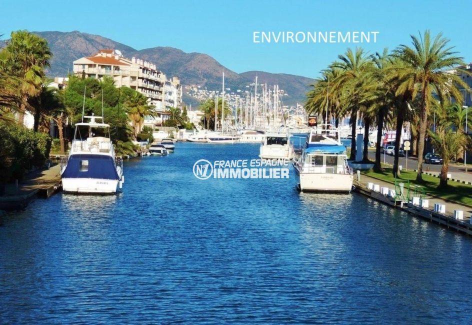 acheter maison costa brava, ref.3834, vue sur le canal aux environs