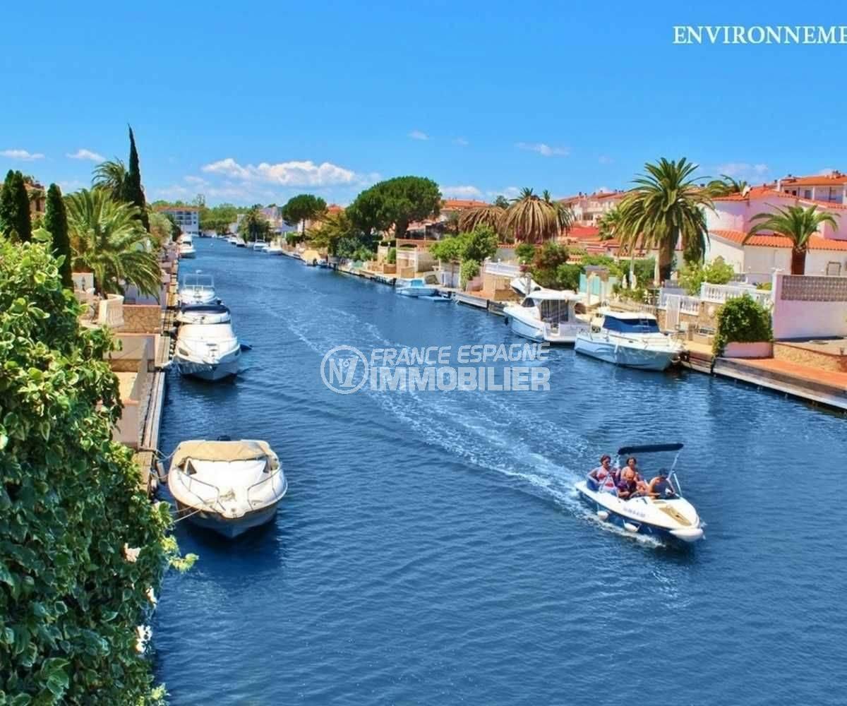 costabrava immo: appartement ref.3809, promenade en bateau sur les canaux aux alentours
