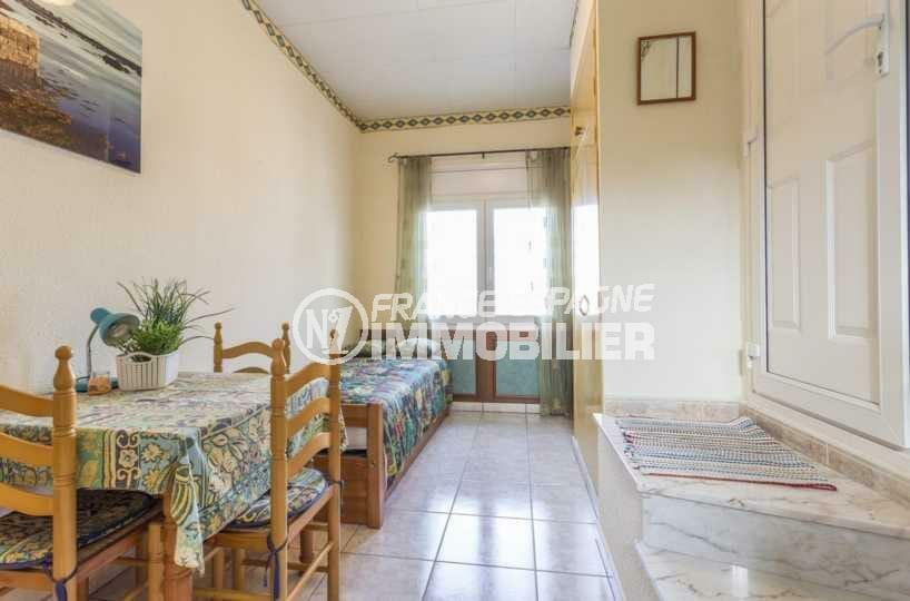agences immobilières empuriabrava: villa ref.3832, séjour de l'appartement indépendant