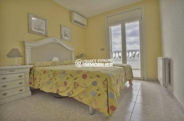 agences immobilières empuriabrava: ref.3827, deuxième chambre: lit double accès terrasse